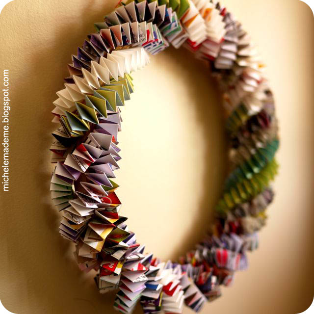http://www.michelemademe.com/2011/06/series-6-box-chain-5-paper-wreath.html